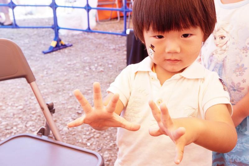 広島フェイスペイント組合-ハロウィンパーティ2017-こころ住宅展示場10090044
